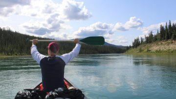 Yukon the adventure: el descenso de cuatro amigos por 800 Km del río Yukon en canoa